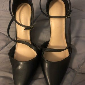 Black shoes with  ankle strap